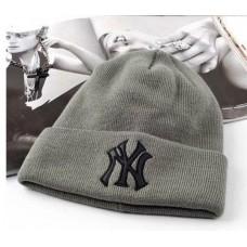 Шапка New York Yankees Серая с Черным Лого