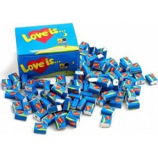 Блок жвачек Love is 100 штук Клубника - Банан жевательные резинки